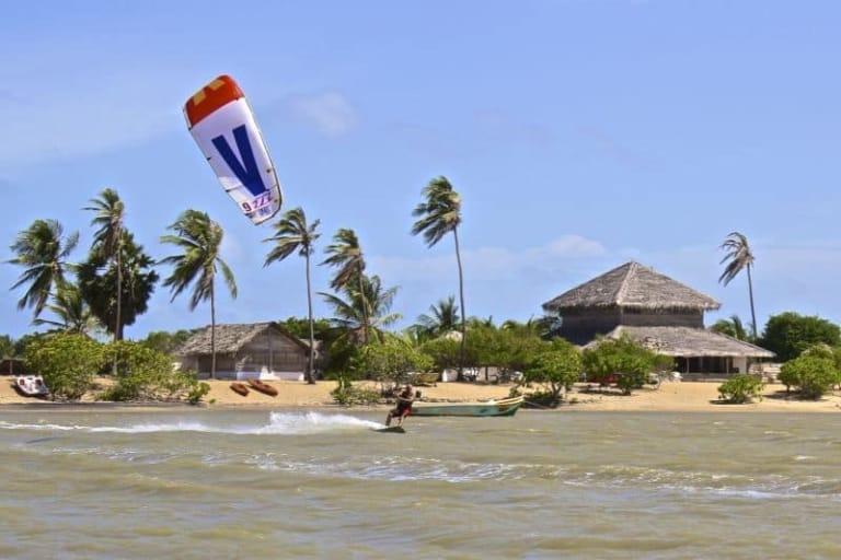 Kitesurfing in Kalpitiya, Sri Lanka // Kiterr.com